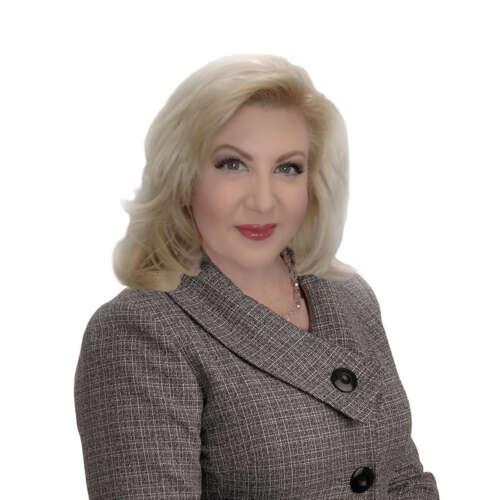 Julie Capobianco, Senior Account Executive